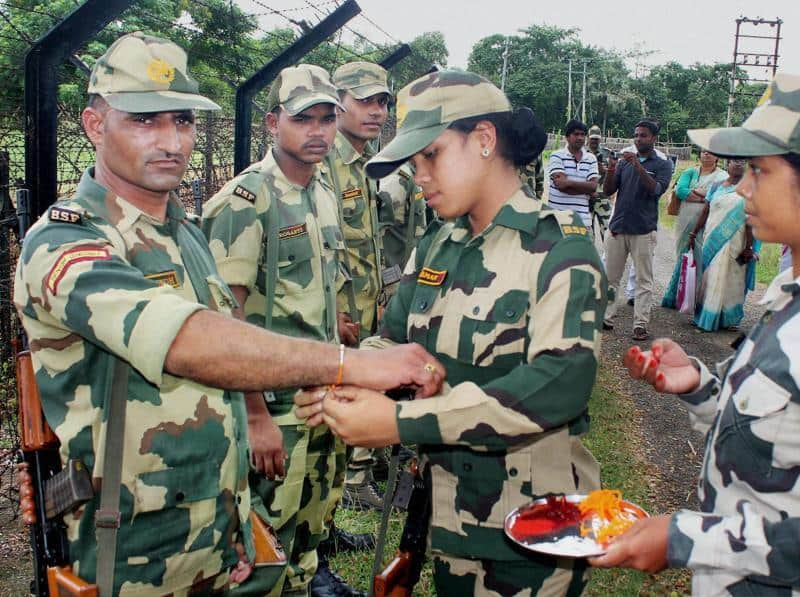 Indian Army Celebrating Raksha Bandhan Images Pics From Border